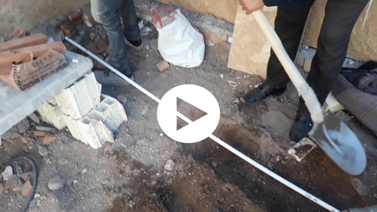 نحوه قرار دادن لوله آب ساختمانی در دیوار و کف